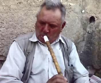 محله الغدیر جهرم - کلیپی از گعده ی اهالی محل  با نی زنی