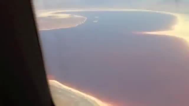 فیلم هوایی از دریاچه ارومیه ایران و دریاچه وان ترکیه !