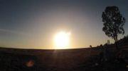 یک تصویر زیبا از خورشید گرفتگی