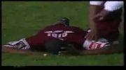 اصابت رعد و برق به بازیکن در زمین فوتبال