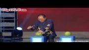 رکورد شکنی عجیب مرد چینی در سوراخ کردن میوه ها با انگشت