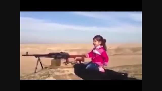 تصویر دختر جوان کردی که 400 داعشی را کشت