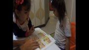 مونا کودک 4 ساله ایرانی قصه گویی به زبان انگلیسی