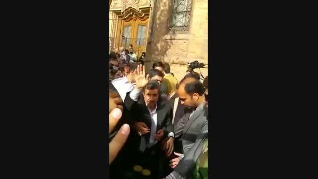 حضور دكتر احمدی نژاد در مراسم تشییع ٢٧٠ شهید در تهران ١