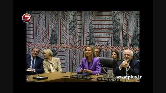 روایت یک شاهد عینی از دست دادن ظریف به اوباما