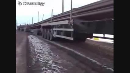 تریلی که طولش کمتر از قطار نیست