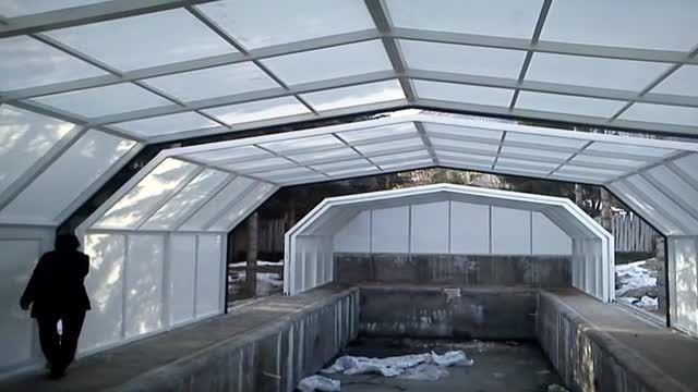 استخر با سقف متحركپوشش استخر با سقف متحرك