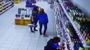 حادثه در فروشگاه مواد غذایی !!!!