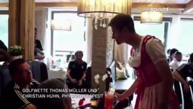 توماس مولر گارسون رستوران میشود ...