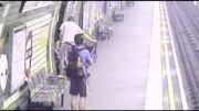 نجات معجزه آسا در ایستگاه مترو
