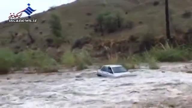 تصاویر غرق شدن اعضای یک خانواده با خودرو پراید