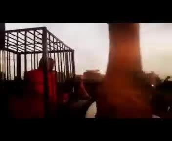 تهدید داعش برای زنده سوزاندن چند پیشمرگه + فیلم
