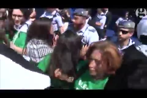 تظاهرات حامیان فلسطین مقابل کنگره فیفا