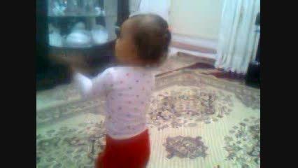 رقص کودک 13 ماهه