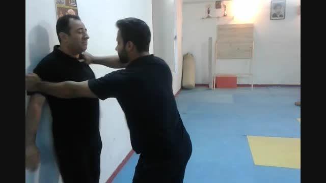 دفاع چاقو - تهدید گلو