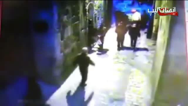 درگیری و چاقوکشی دعوای وحشتناک و چاقو زدن به دو پلیس