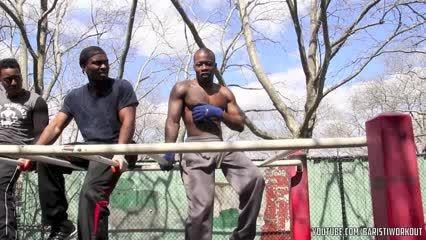 تمرینات تقویت عضلات شكم در كلستنیكس