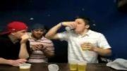 خوردن 6 لیوان شربت در 10 ثانیه!!!!