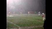 بازی فوتبال در بدترین شرایط آب و هوایی