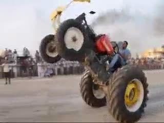 تک چرخ با تراکتور(اینم جوونای امروز)