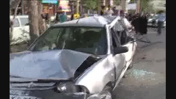 ۴ کشته بر اثر برخورد کامیون با ۸ خودرو