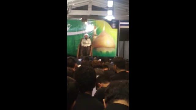 ظریف در مراسم احیا شرکت کرد