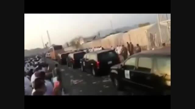 رمی جمرات توسط شاهزاده سعودی از داخل ماشین