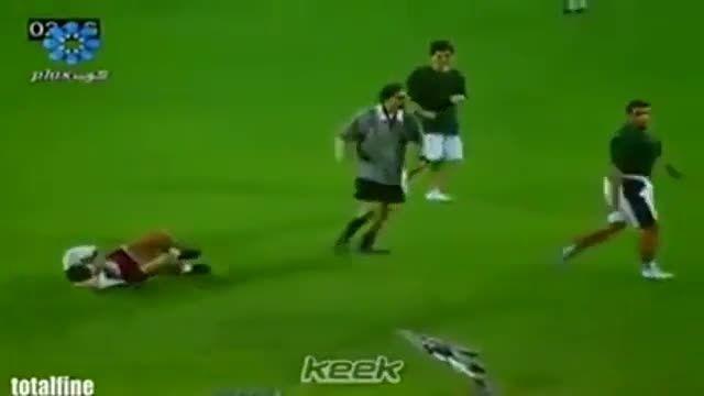 فرار داور از زمین فوتبال از دست  عرب