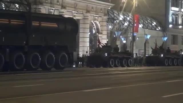 """شلیک موشک """"یارس"""" ؛نمایش قدرت """"کرملین"""" در شرق اروپا"""