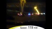 مسافری در صندوق پراید با سرعت وحشتناک 120 کیلومتر در ساعت!