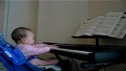 پیانو  برای همه -  نوزاد 6 ماهه