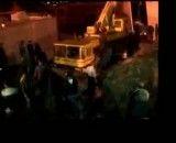 لحظه سقوط جرثقیل در حضور شهردار تهران