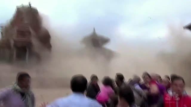 لحظه تخریب بناهای تاریخی در زلزله نپال