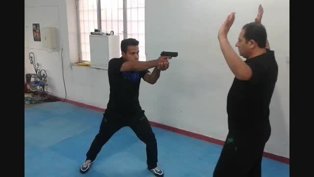 خلع سلاح اسلحه کمری