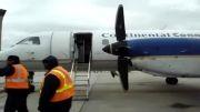 گیر کردن مهماندار در دستشویی هواپیما