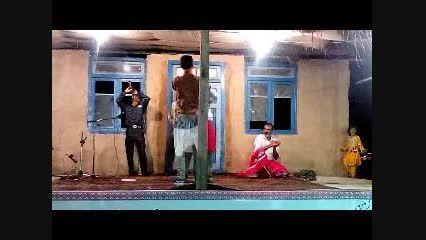 آیین سنتی رقص مردان بادامن زنانه درجشنواره اقوام ایران2