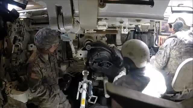 داخل یک تانک آمریکایی در حال شلیک را از نزدیک ببینید