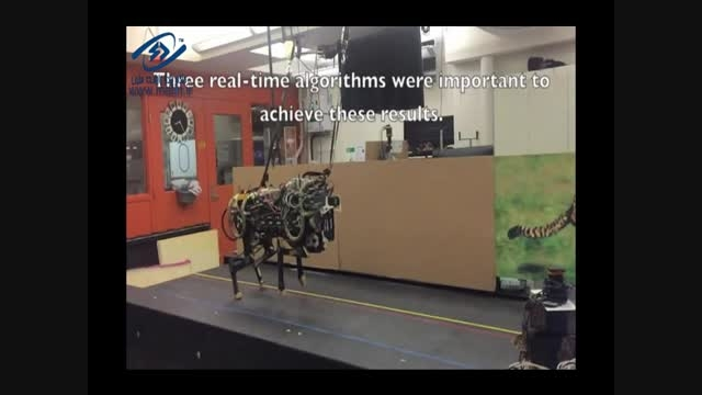 دویدن روبات چیتا و پریدن آن از روی موانع باشید.