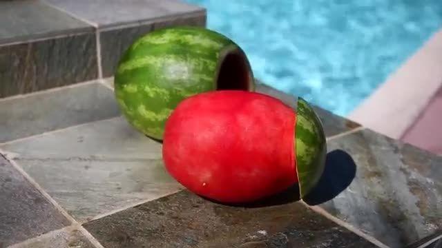 فکر می کنید چطور این هندوانه رو پوست گرفتن؟