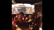 مداحی رضا حقیقی در اتوبوس پرسپولیسی ها