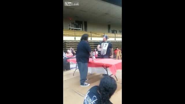 مسابقه سیلی زدن در تگزاس آمریکا