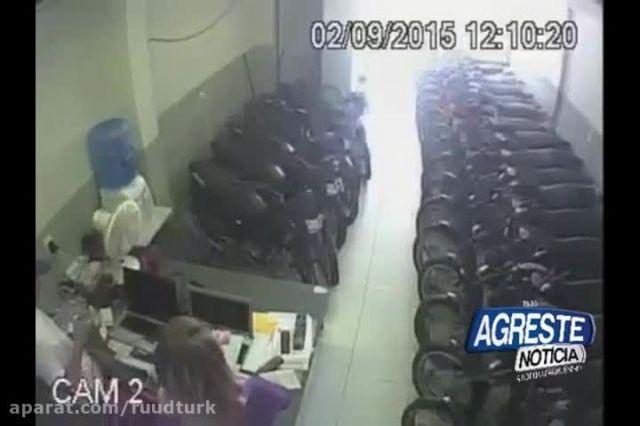 غیب شدن مغازه دار از ترس دزدان مسلح