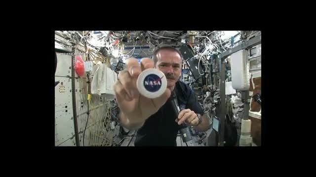 چلاندن آب در سفینه فضایی(بسیار شگفت انگیز)