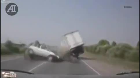 تصادفات وحشتناک وسایل نقلیه سنگین
