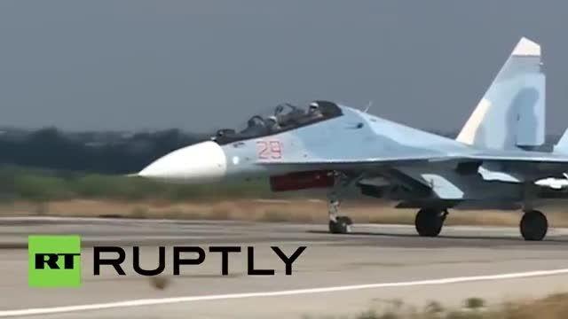 جت های جنگنده سوخو Su-27 انجام پرواز از لاذقیه