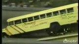 پرش با اتوبوس مدرسه