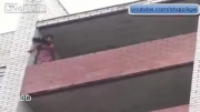 حرکت خارق العاده پلیس برای نجات زنی که قصد خودکشی داشت!