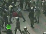 کشیدن تن برهنه دختر بی گناه مصری روی زمین