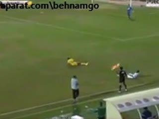 صحنه وحشتناک در فوتبال(هشدار)!!