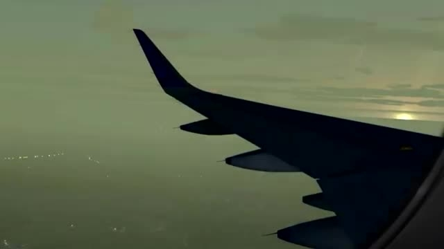 لندینگ بسیار دیدنی در فرودگاه بمبئی در هوای مه آلود